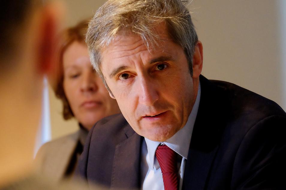"""Verteidigt die Corona-Politik der sächsischen Staatsregierung. Diese habe auf eine """"solidarische Abwehr"""" der Gefahr gezielt, so der SPD-Landtagsabgeordnete Frank Richter"""