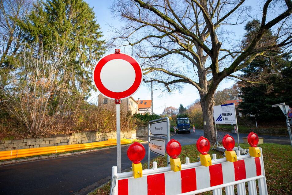 Tschaikowskiplatz in Graupa, hier bei einer früheren Baumaßnahme: Die Zufahrt nach Bonnewitz ist derzeit etwas eingeschränkt.