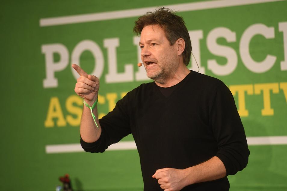 Robert Habeck, Bundesvorsitzender von Bündnis 90/Die Grünen, spricht beim Politischen Aschermittwoch der Grünen.