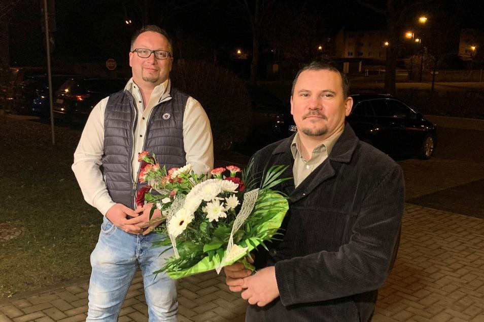 Thomas Malkowski (links) und René Schlosser komplettieren die Schiedsstelle in Großweitzschen.