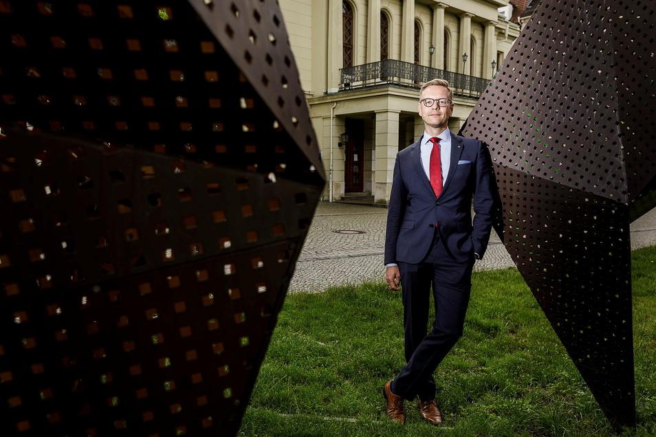 Daniel Morgenroth, der neue Intendant des Gerhart-Hauptmann-Theaters in Görlitz und Zittau, ist nach Görlitz gezogen. Das ist am Ende auch für die Einwohnerstatistik gut.