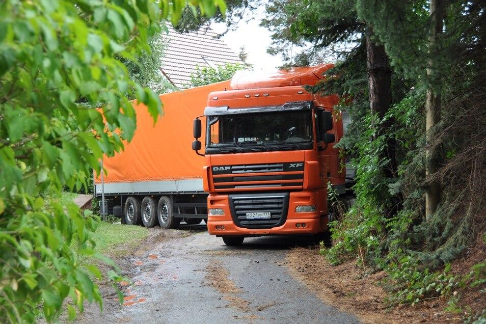 Nichts ging mehr am Montag für diesen Laster in Ludwigsdorf.