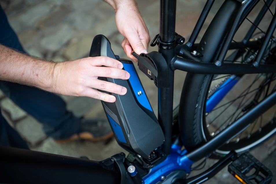 Auf Herz und Nieren prüfen: Auf Akku und Motor kommt es gebrauchten E-Bike an.