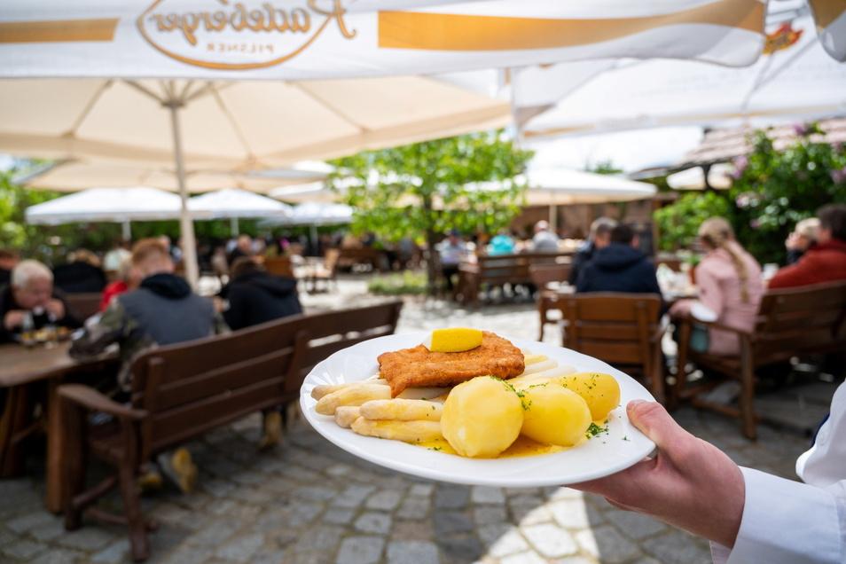Die Außengastronomie hat im Landkreis Sächsischen Schweiz-Osterzgebirge schon geöffnet. Nächste Woche könnte auch innen aufgetischt werden.