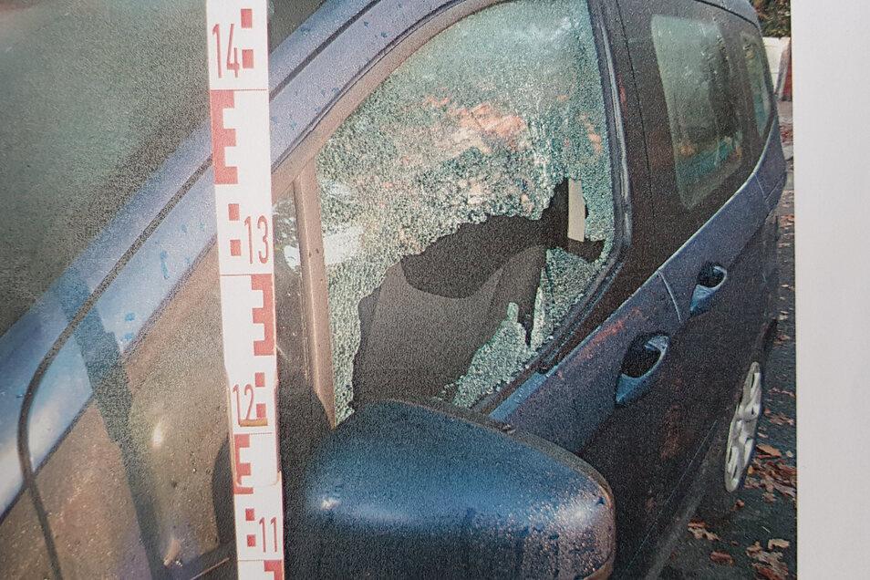 Mit dem Fäustel zerlegte ein Zeithainer das Auto eines mutmaßlichen Widersachers. (Symbolfoto)