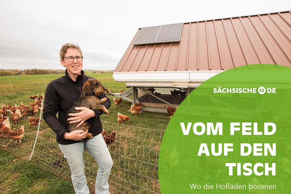 Katrin Schumann hält in Niederforst bei Roßwein Hühner. Diese leben in Hühnermobilen, die sogar über ein sogenanntes Lichtmanagment verfügen.