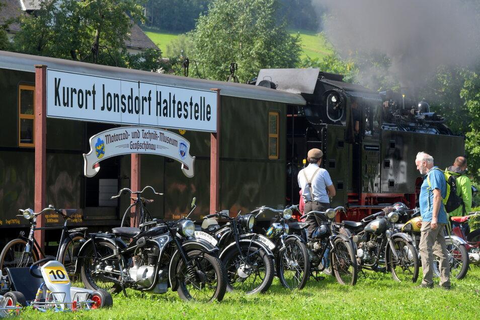 Das Großschönauer Motorrad- und Technikmuseum präsentierte zahlreiche Motorräder und Fahrräder.