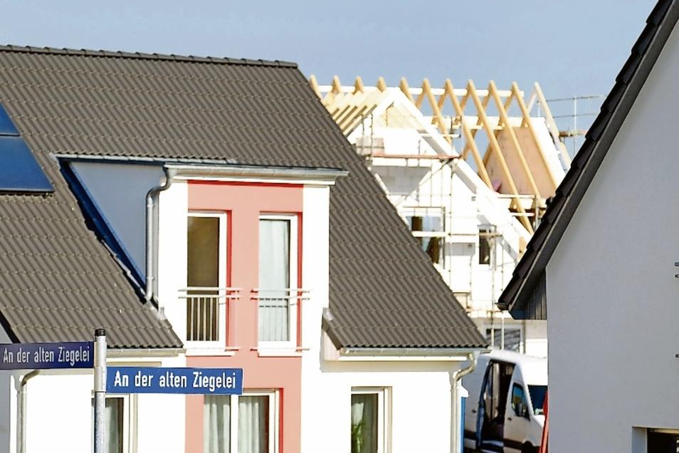 Mehrfamilienhaus oder Eigenheim? Die Bewohner des neuen Meißner Baugebiets An der alten Ziegelei haben sich schon entschieden.