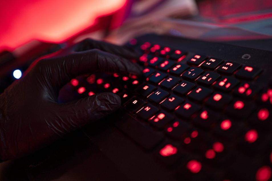 Die Zahl der Cyberattacken auf deutsche Firmen steigt.