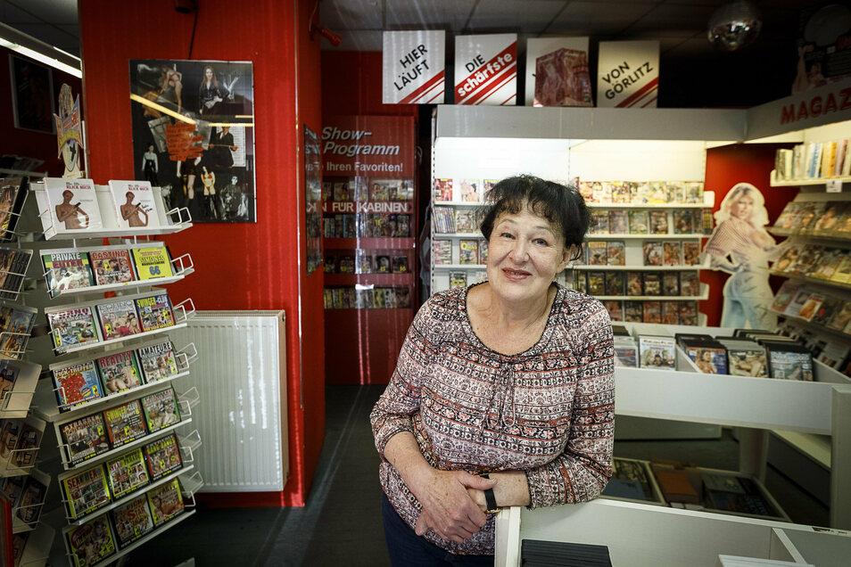 Nicht wiederzuerkennen: Das Geschäft, das Inge Bullmann vorher in der Elisabethstraße hatte, hatte viele Regale und mehrere abgetrennte Videokabinen. Davon blieb nichts übrig.