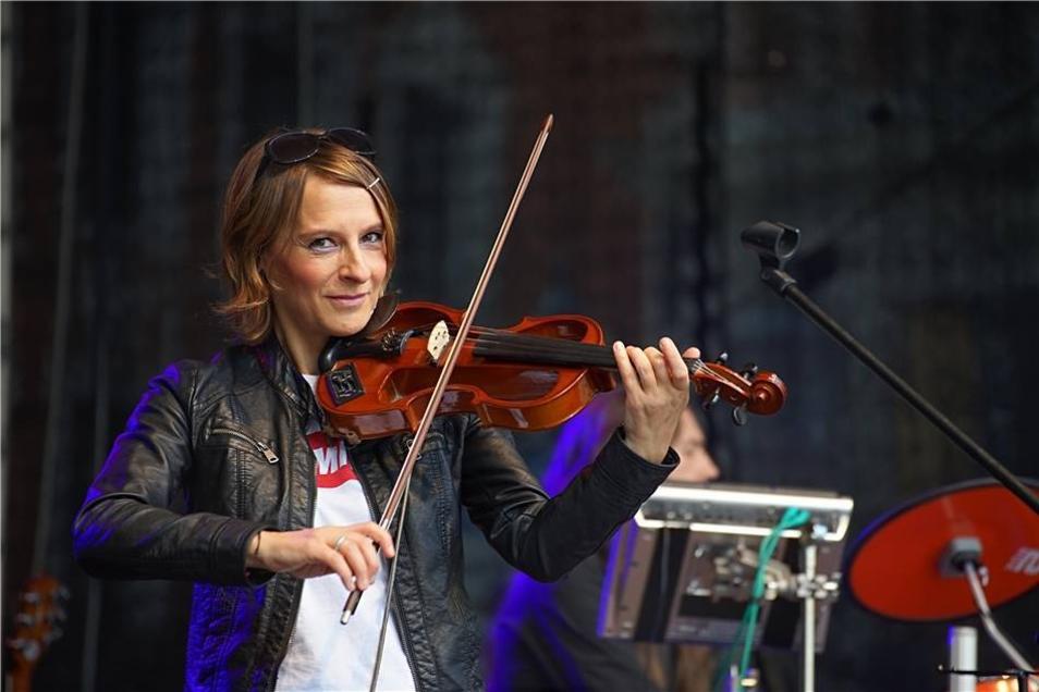 Ivonne Fechner mit der Geige.