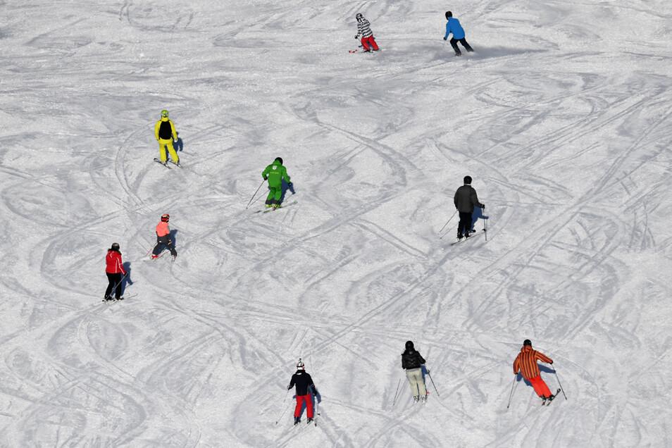 Damit das Ski-Vergnügen in Österreich stattfinden kann, müssen Touristen im kommenden Winter strenge Regeln einhalten.