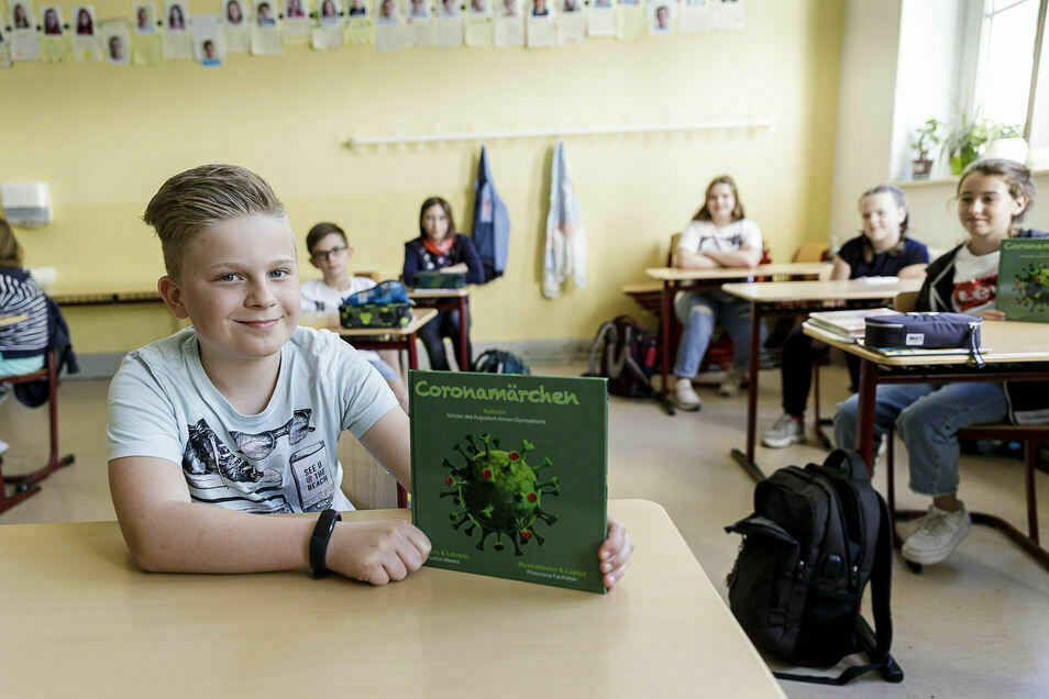 Schüler des Augustum-Annen-Gymnasiums schrieben ein Coronahelden-Buch, als der Lehrplan das Thema Märchen vorsah.