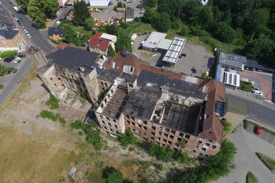 Die Lederfabrik im Sommer 2019 vor dem Abriss. Zu dem Zeitpunkt stand nur noch der Kern des einstigen Fabrikgeländes. Nebenanlagen waren schon Jahre zuvor abgebrochen worden.