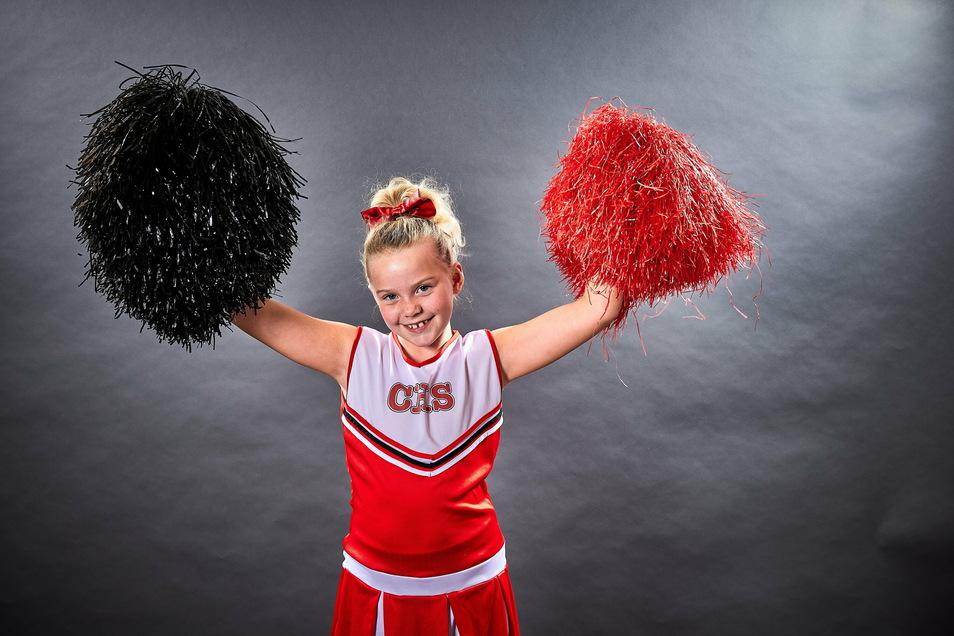 Thea Dethloff mag es, andere anzufeuern und ihnen Mut zu machen.. Das machen auch die Cheerleader-Arrows von Pirna.