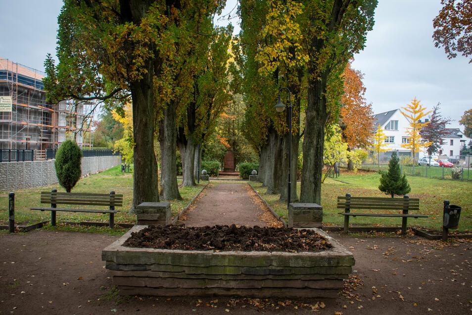Das Rheinhardtsthal soll im nächsten Jahr saniert werden. dafür wird das Denkmal abgebaut. Es soll später an einer anderen Stelle wieder aufgebaut werden.