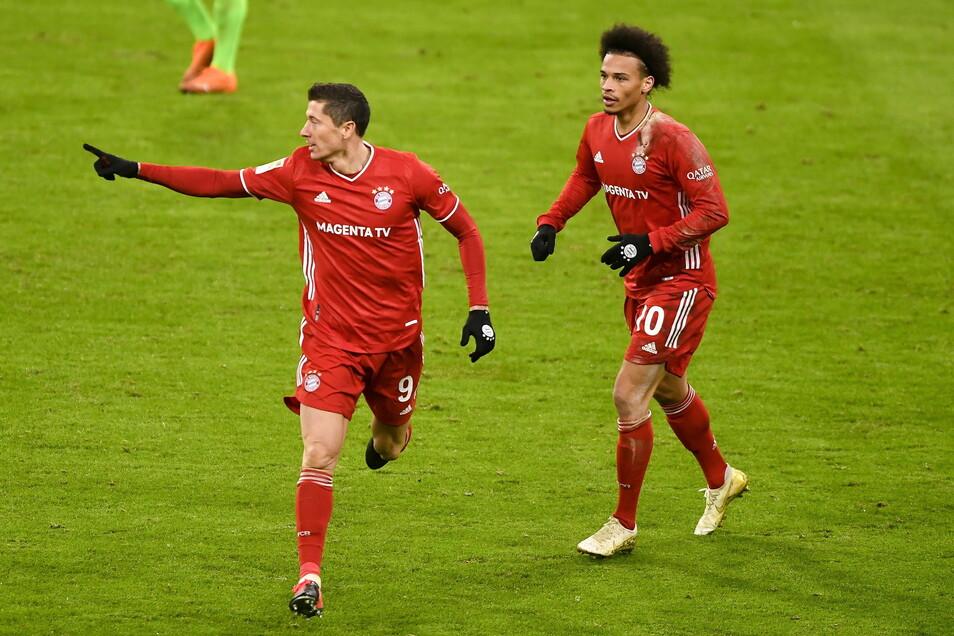 Robert Lewandowski jubelt nach seinem 251. Bundesligator, das den entscheidenden Treffer beim Sieg gegen Wolfsburg bedeutete.