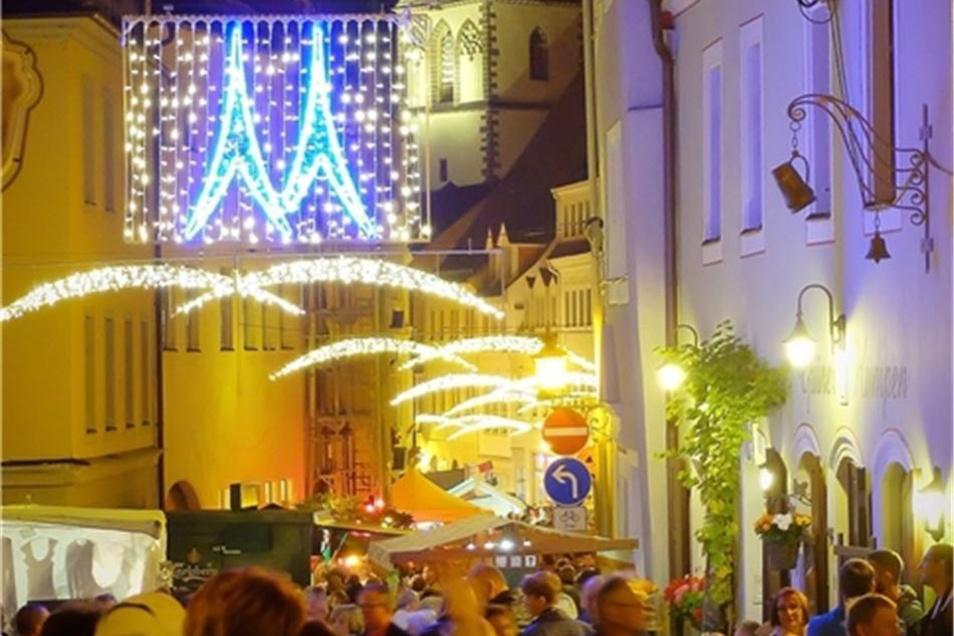 Der Blick in die beleuchtete Elbstraße war am Abend besonders romantisch.