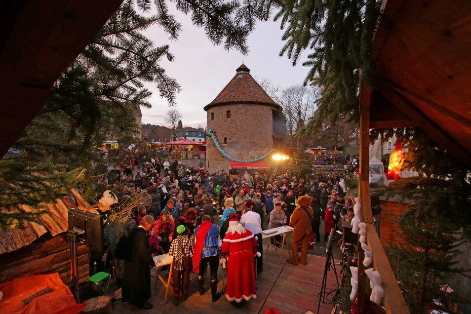 Über 5.000 Besucher kommen jährlich zum Märchenhaften Advents-Spectaculum nach Kamenz. Gerade die Enge auf dem Areal macht das Event gemütlich. Doch geht das in Corona-Zeiten?