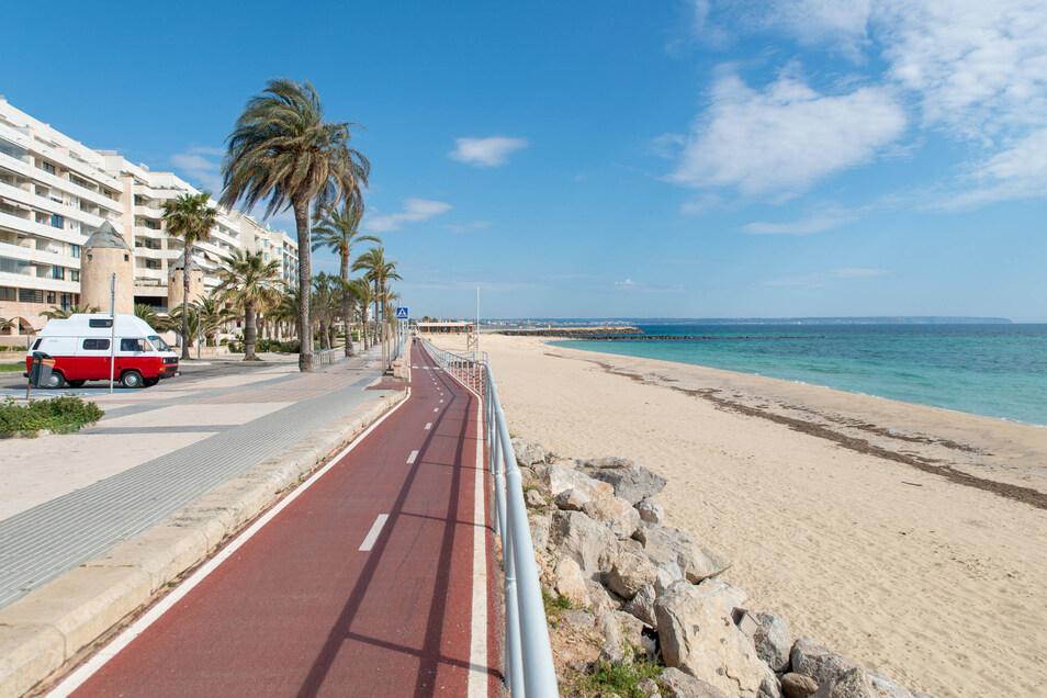 Keine Einheimischen, keine Touristen. Palma de Mallorca liegt verwaist in der Sonne. Und es wird noch lange so bleiben.