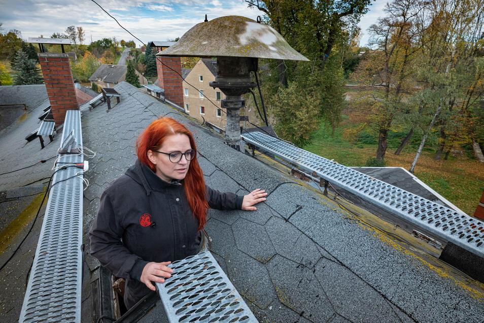 Die Achillesferse des Hauses: Das Dach. Um es in seinen Ursprungszustand zu bringen, wären mindestens 100.000 Euro nötig.
