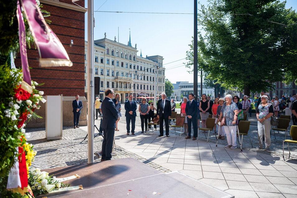 OB Octavian Ursu bei seiner Rede anlässlich des 17. Juni-Gedenkens am Postplatz.