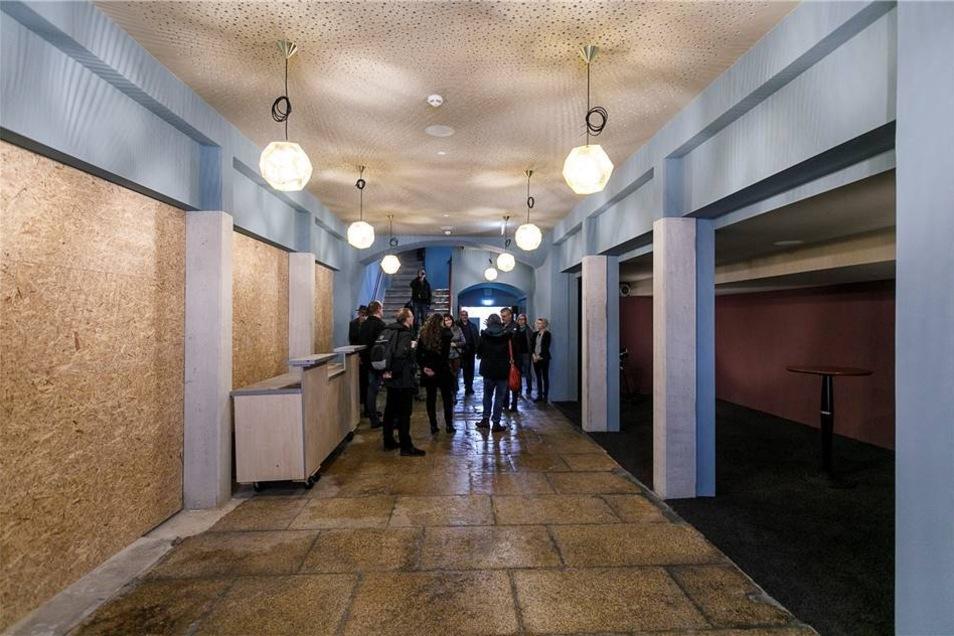 Der Zugang zu den neuen Kinosälen. Auf die linke Seite kommt noch eine Bar, auf die rechte Seite Sitzgelegenheiten.