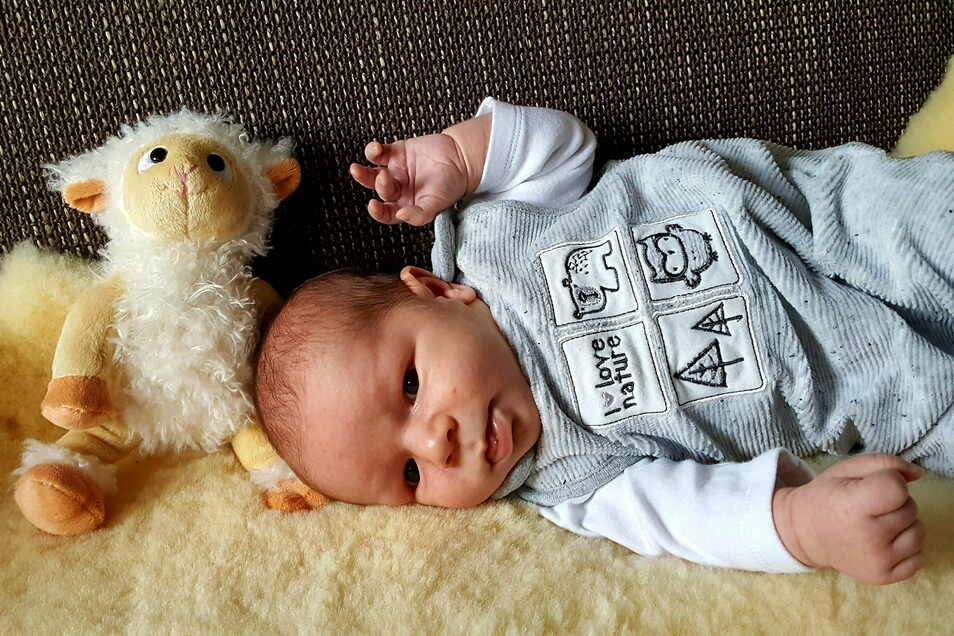 Moritz, geboren am 27. November, Geburtsort: Kamenz, Gewicht: 3.660 Gramm, Größe: 50 Zentimeter, Eltern:  Sandra Mieting und Denis Mager, Wohnort: Koitzsch