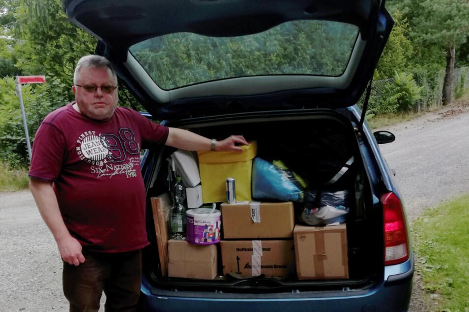 So beladen startet Lothar Beloch seine Hilfstransporte nach Polen.