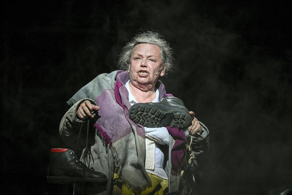 """Auch spannende Hintergründe zu Stücken – wie """"Mutter Courage"""" mit Helga Werner – gibt's im Podcast des Staatsschauspiels."""