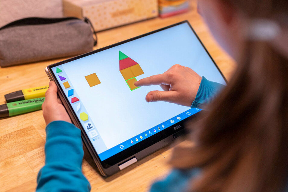 Verknüpft spielerisch Mathe mit Kunst: die App Pattern Shapes.