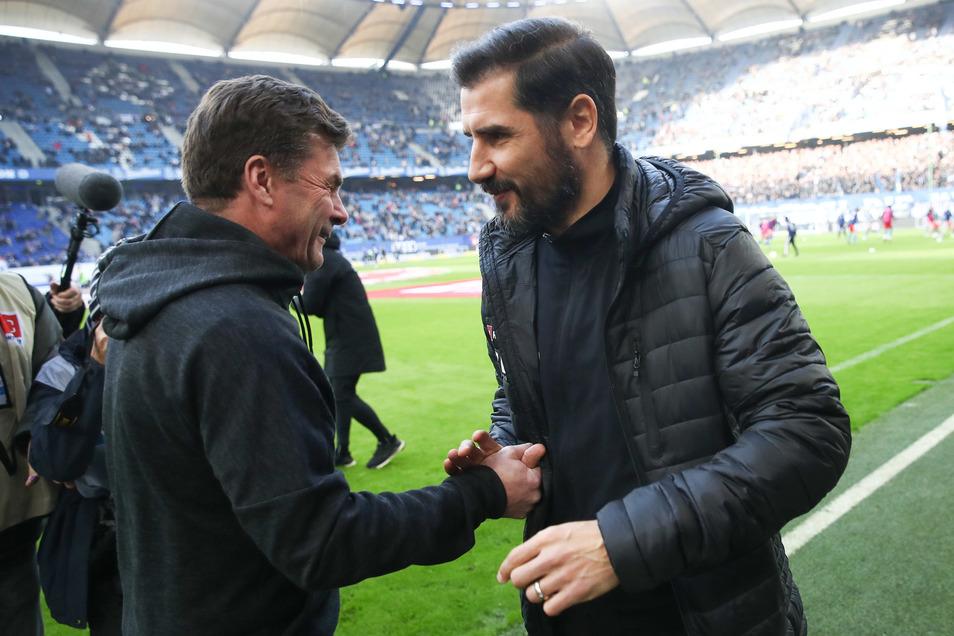 Dieter Hecking (l) war einst Trainer in Aachen der Trainer von Cristian Fiel. Jetzt kam es zum Wiedersehen als Kollegen an der Seitenlinie.