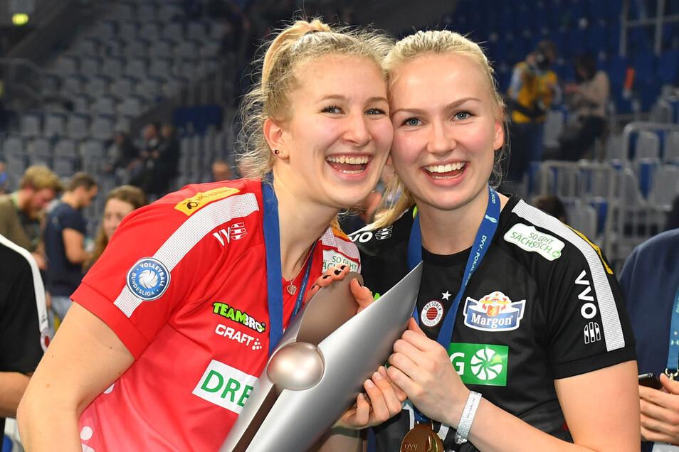 Monique Strubbe (l.) und Piia Korhonen überglücklich.