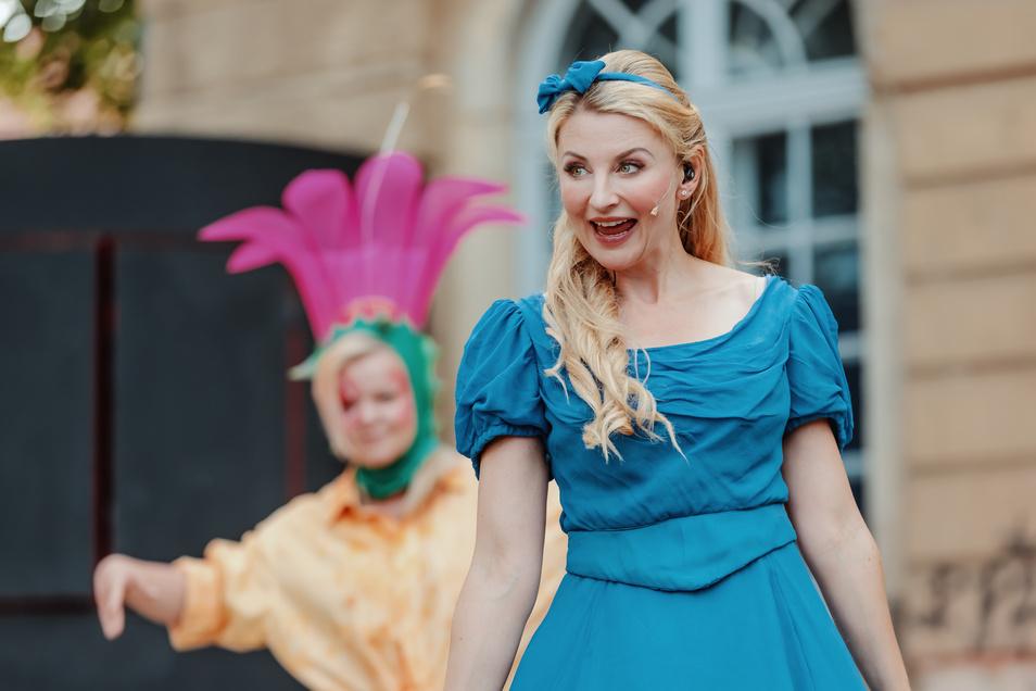 Als Alice im Wunderland feiert Susanna Mucha am Freitag Premiere.