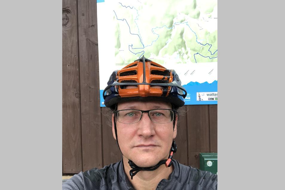 In seiner Freizeit ist Wolfgang Becher am liebsten draußen - und gern mit dem Mountain-Bike auf Tour. Von den typischen Klischees der IT-ler, die ihr ganzes Leben vor dem Computerbildschirm verbringen, hält der Familienvater aus Leipzig wenig.