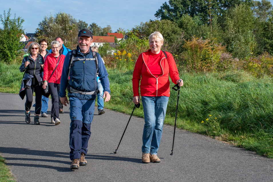 Bei herrlichem Herbstwetter machten sich am Samstag beinahe 1.200 Wanderfreunde auf die Socken, um die Umgebung rund um Döbeln und Roßwein zu erkunden.