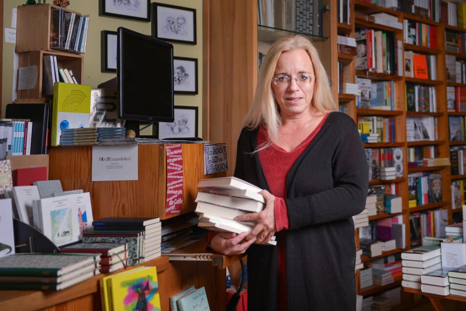 Susanne Dagen in ihrem Buchhaus Loschwitz.