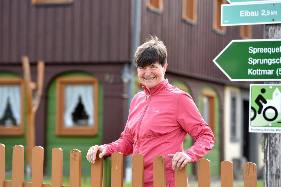 """Corinna Bäsler eröffnet die Pension """"Grandel"""" in Walddorf."""