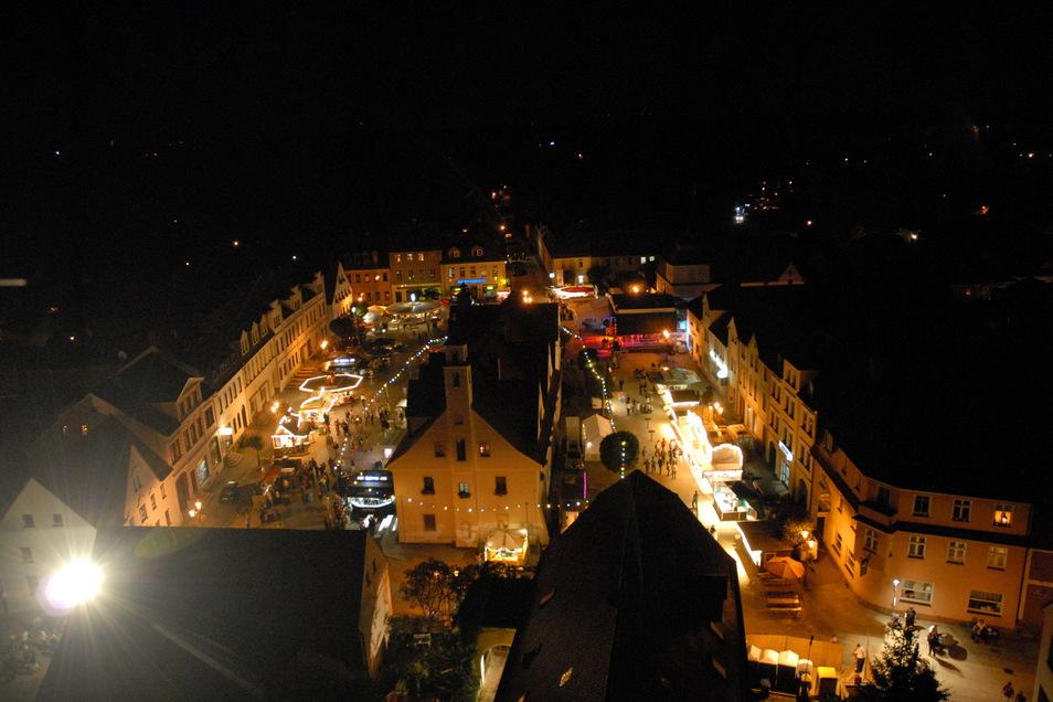 Herrscht im September oder Oktober rund um das Rothenburger Rathaus reges Treiben wie sonst beim Sommerfest? Die Stadt hat jetzt die Organisation eines Herbstfestes ausgeschrieben.