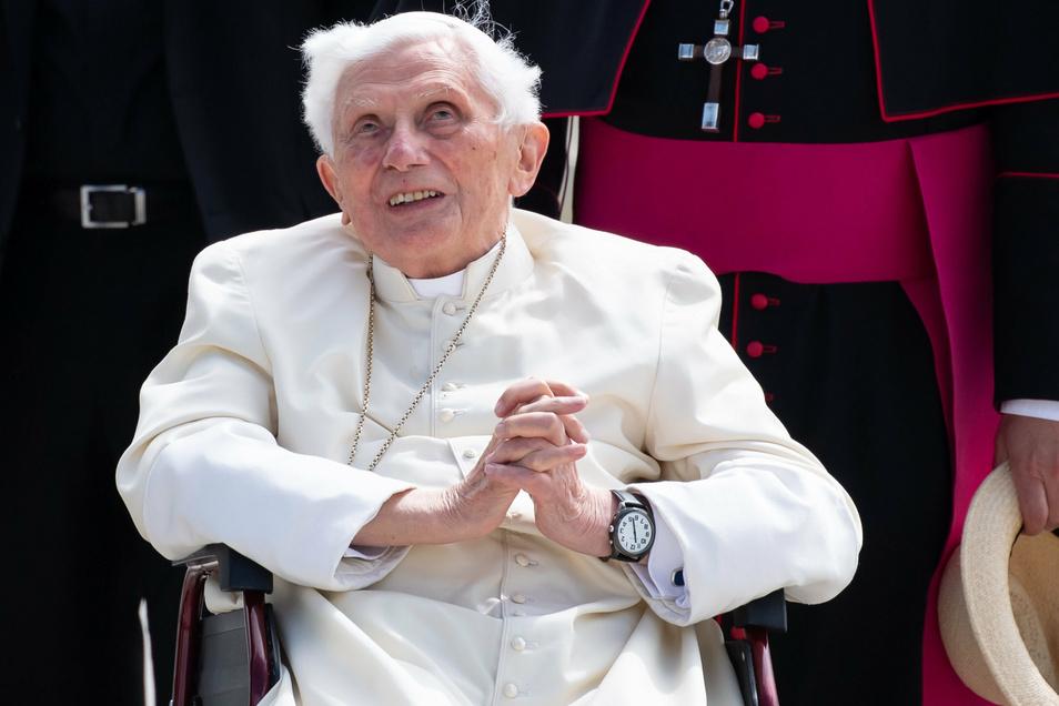 Der emeritierte Papst Benedikt XVI. war am 18. Juni überraschend in seine alte Heimat gereist, um seinen 96 Jahre alten Bruder zu besuchen.