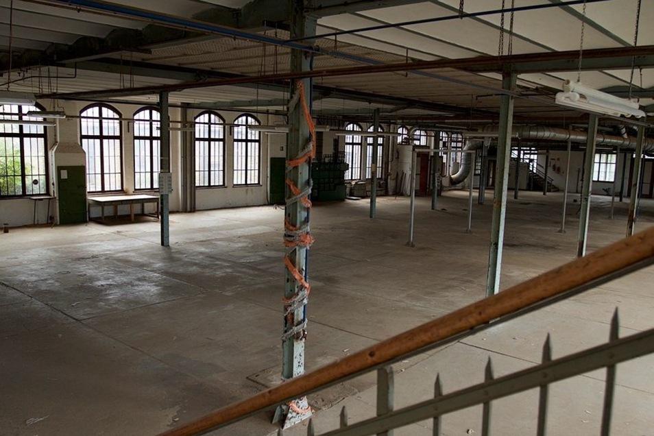 Der einstige Maschinensaal mit den Stahlstützen im Erdgeschoss ist inzwischen beräumt.