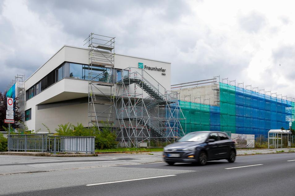 Der Erweiterungsbau des Fraunhofer Kunststoffzentrums Oberlausitz in Zittau schreitet sichtbar voran.