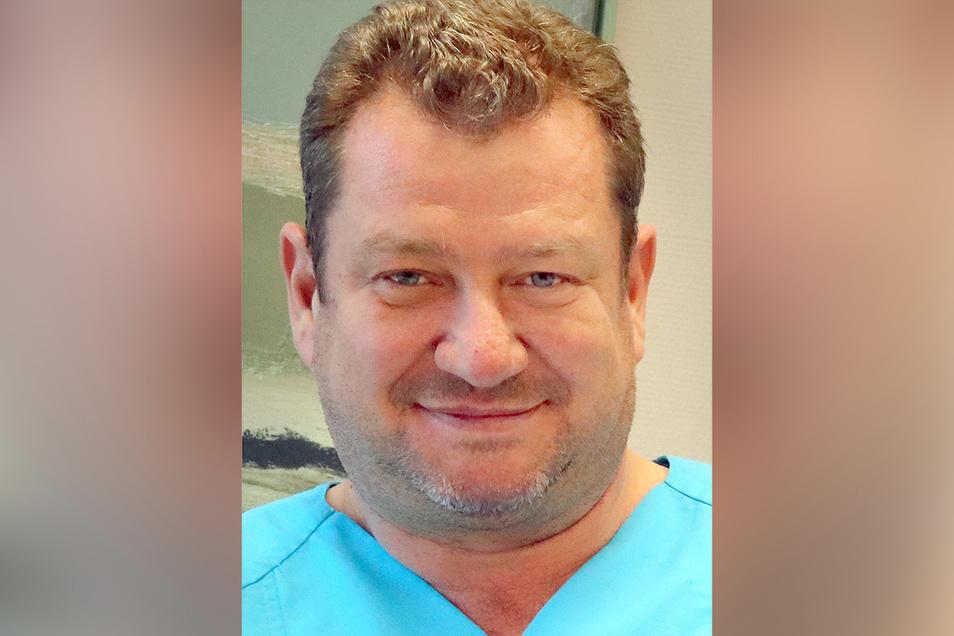 Alexander Wagner ist seit 2016 Chefarzt der Gynäkologie und Geburtshilfe in Kamenz. Er ist verheiratet und hat drei Kinder.
