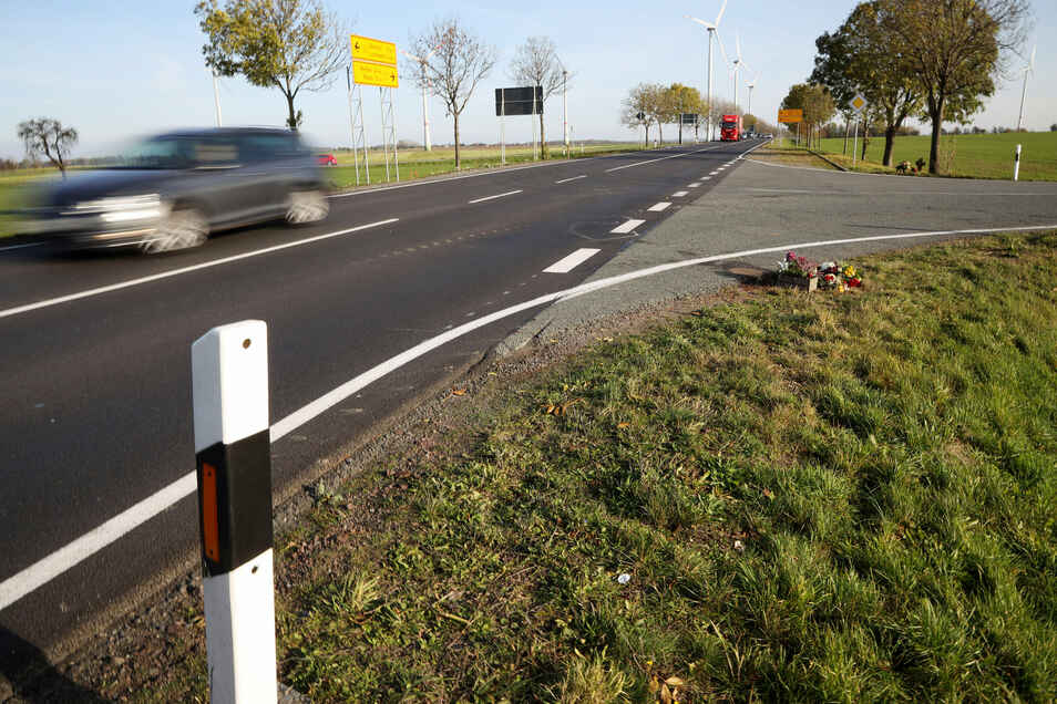 Oschatz im Rücken, der Blick Richtung Seerhausen: An der B6-Kreuzung nach Reppen passierte jüngst ein schrecklicher Unfall. Auch Tempolimit und Überholverbot, die auf der Bundesstraße gelten, verhinderten das nicht.