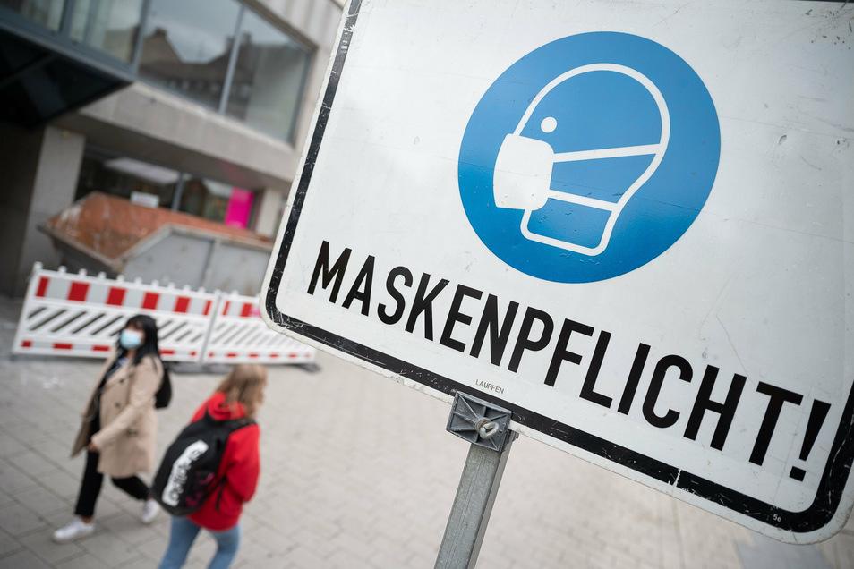 In Dresden gilt ab 27. Oktober eine ausgeweitete Maskenpflicht. In gewissen Gebieten müssen die Dresdner dann auch im Freien eine Mund-Nasen-Bedeckung tragen.