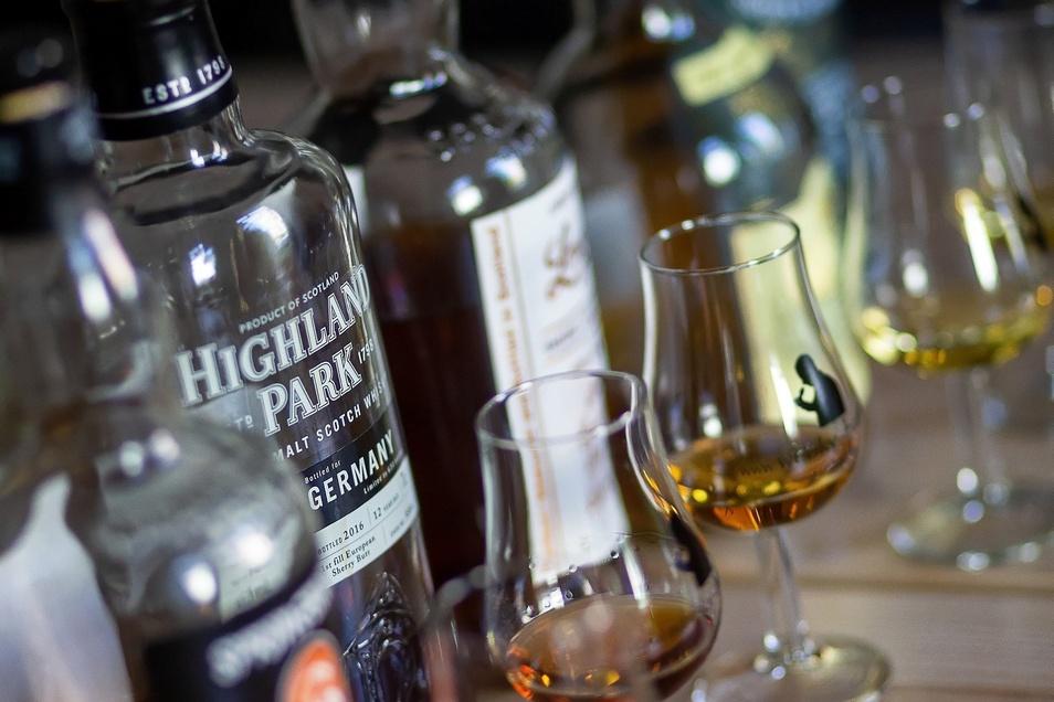 Vielfalt ist Trumpf: Hüttemanns Kollektion umfasst etwa 350 Sorten Scotch.