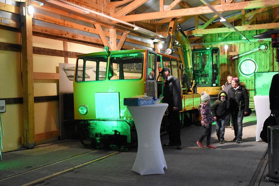 Neben Tonbahnfahrten bietet die WEM in Weißwasser auch einen geöffneten Museumsbahnhof mit historischer Technik. Der Eintritt in das Museum ist frei.