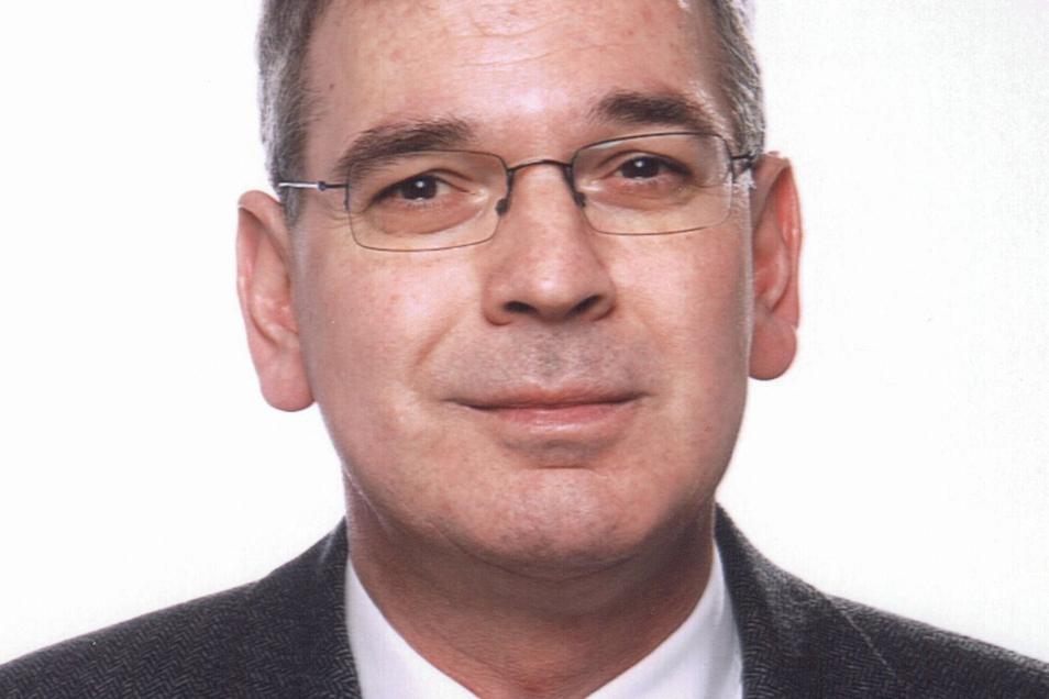 Prof. Dr. Jochen Rozek hat seit 2008 den Lehrstuhl für Staats- und Verwaltungsrecht an der Universität Leipzig inne.