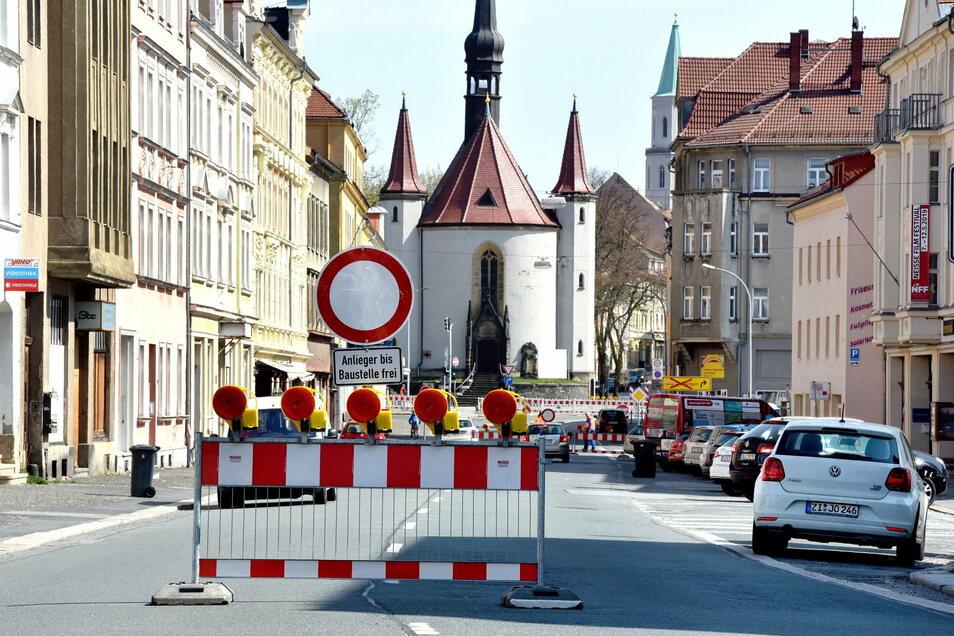 So sah es bei der Sperrung des ersten Abschnitts der B96/Äußere Weberstraße in Zittau 2019 aus.