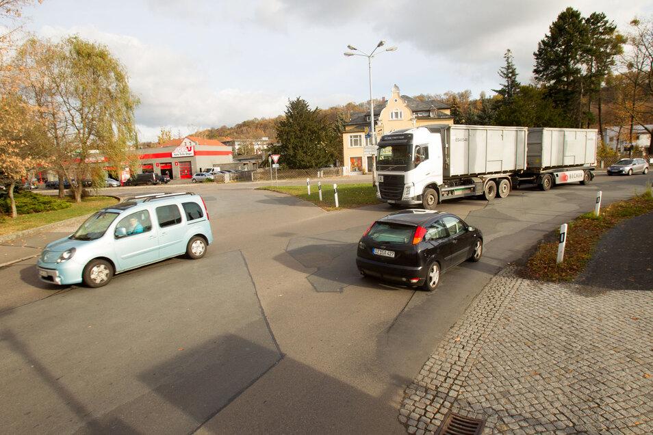 Knotenpunkt Zehistaer/Rottwerndorfer Straße: unübersichtlich und gefährlich.